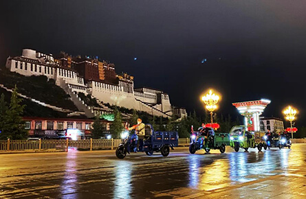 Jinpeng electric vehicle enters Potala Palace