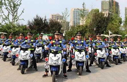 Jin Peng served in the Yingdong Chengguan Law Enforcement Bureau of Fuyang, Anhui Province